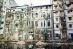 Un immeuble, habité, de Yangon.