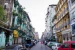Une rue de Yangon.